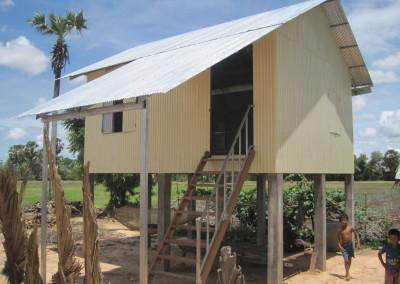 Nieuw huis van ijzer in de provincie Takeo